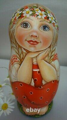 Author's russian matryoshka The kids eat the apples