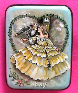 LACQUER SHELL Box LOVERS Wedding SMALL HAND PAINTED DATE Couple Russian signed