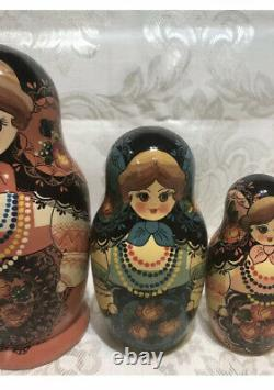 Matryoshka Handmade 1987s, wooden toy hand-painted Russian nesting doll VINTAGE
