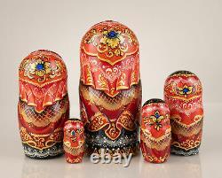 Nesting dolls Hand-carved matryoshka Russian wooden nesting dolls