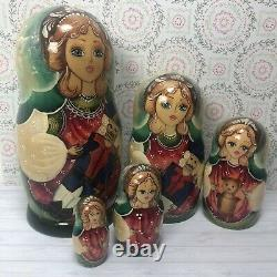 Russian doll Nesting dolls Set of 5 Matryoshka, toy soldier and bear on design