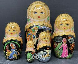 Russian matryoshka nesting dolls 5 pc. Hand-painted Signed by artist