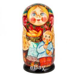 Traditional Russian Doll Nesting Doll Matryoshka Wooden Stacking Doll 8 / 7 pcs