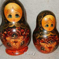 Vintage 9 Pc Russian Nesting Dolls Traditional Hand Painted Matryoshka Babushka