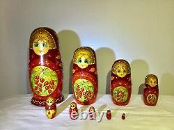 Vintage Russian Sergiev Posad Matryoshka Nesting Dolls Hand Painted 9 ps 1993